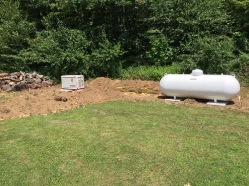 generator and propane tank